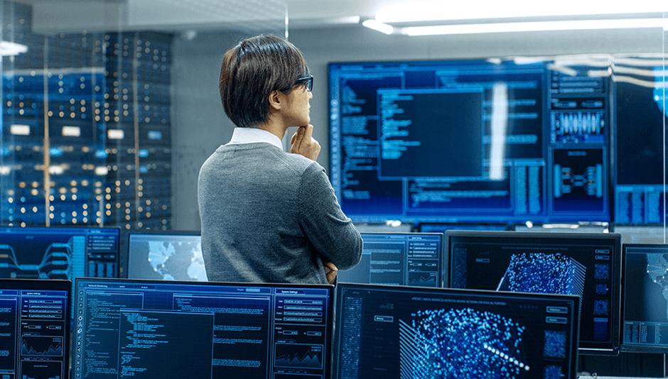 Administrador supervisa el trabajo de data mining