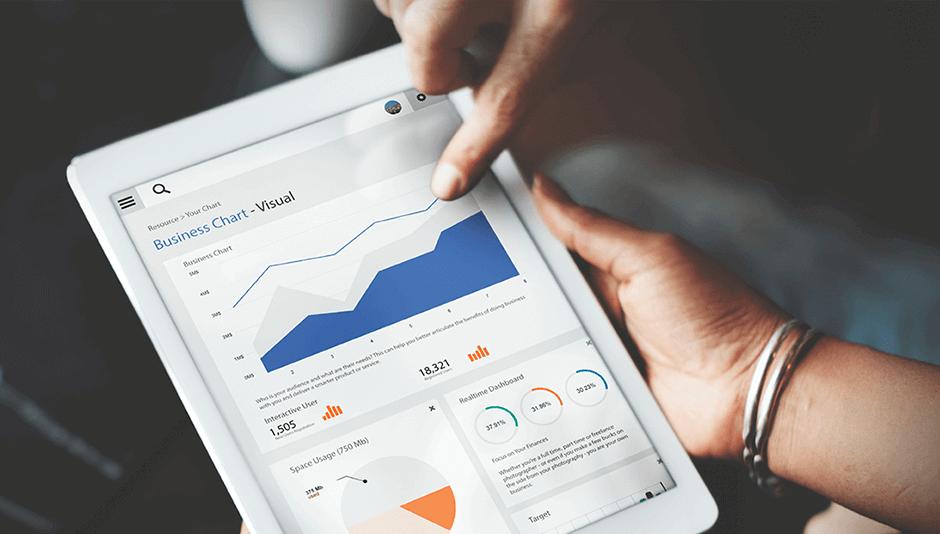 tablet con dashboard de big data